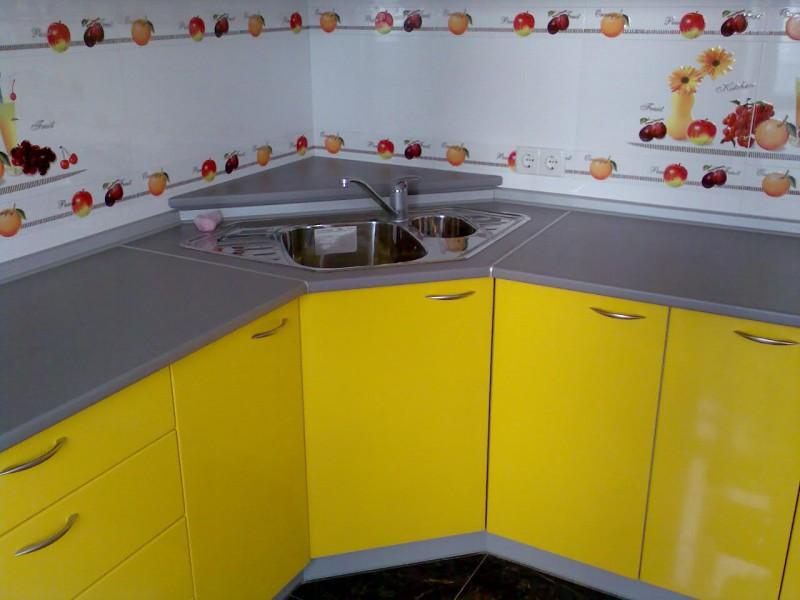 Как украсить кухонный гарнитур своими руками