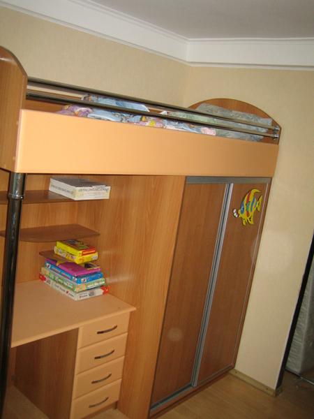 Кровать со шкафом купе
