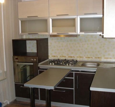 Кухня с выдвижным столом Феодосия