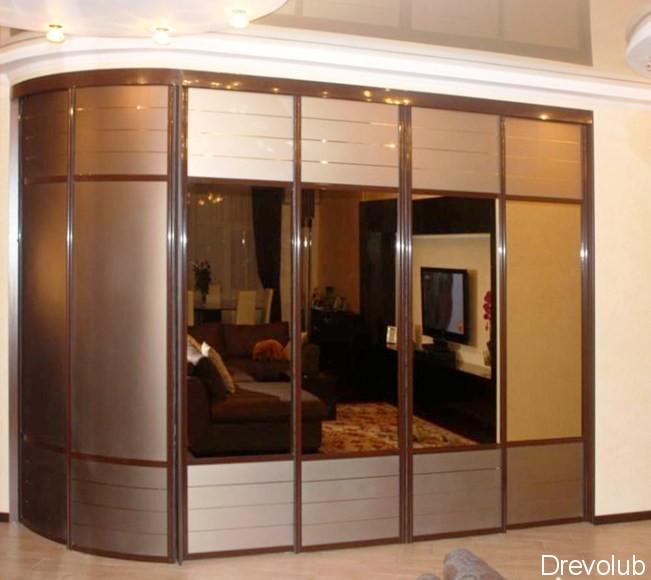шкаф с радиусными фасадами